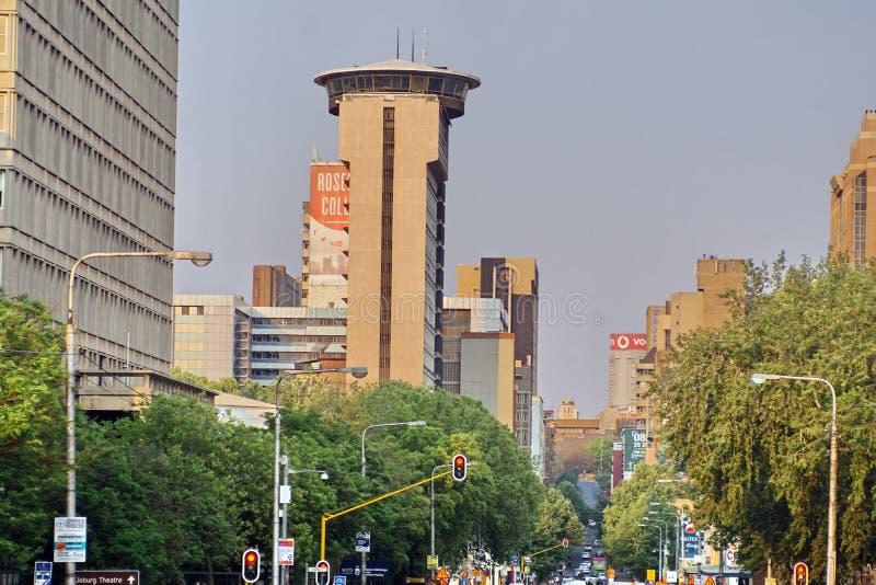 Construções altas da elevação em Joanesburgo do centro imagem de stock