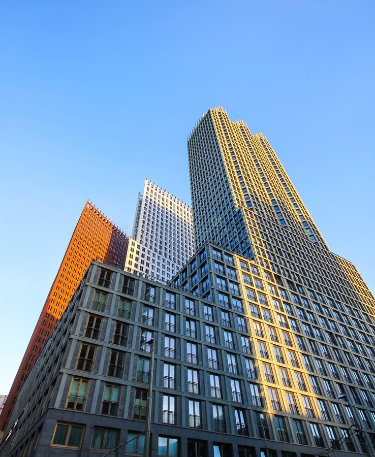 Construções altas do arranha-céus de Haia foto de stock royalty free