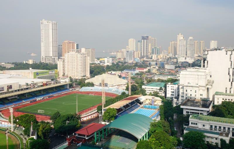 Construções altas em Manila, Filipinas imagem de stock