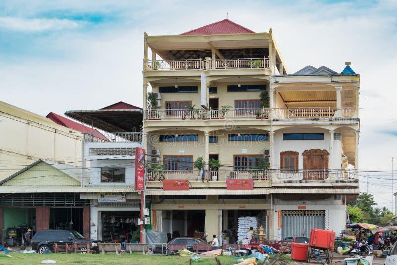 Construções coloniais em Treng picado, Camboja fotos de stock