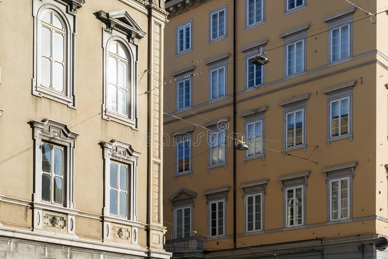 Construções da cidade de Trieste imagens de stock