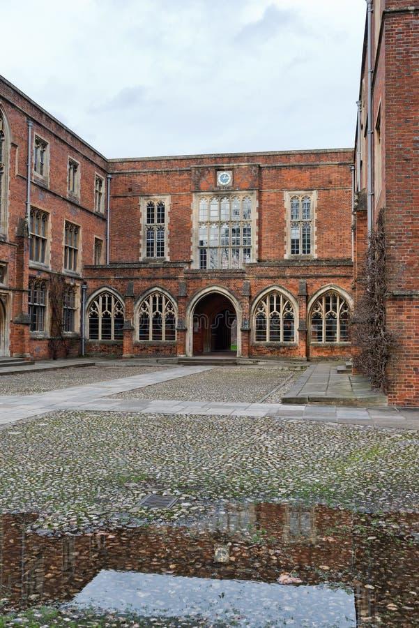 Construções da faculdade na faculdade de Winchester, Reino Unido fotografia de stock