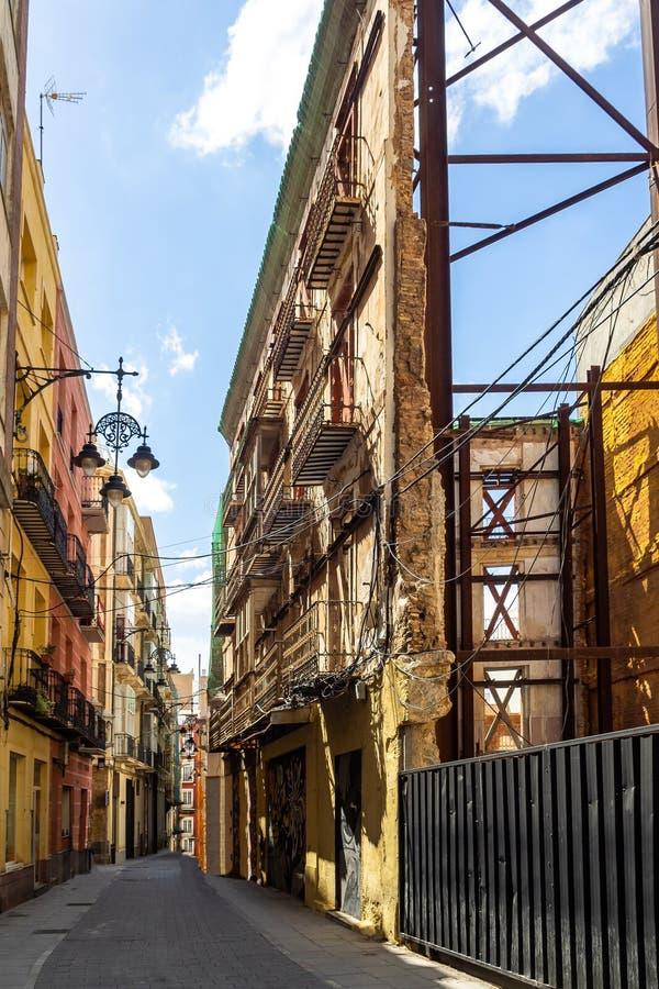 Construções da rua principal em Cartagena, Múrcia, Espanha imagens de stock