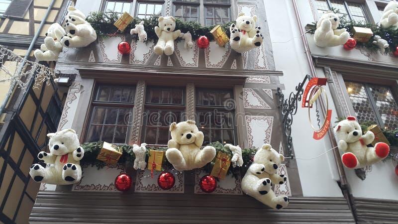Construções de Strasbourg decoradas para o Natal imagens de stock