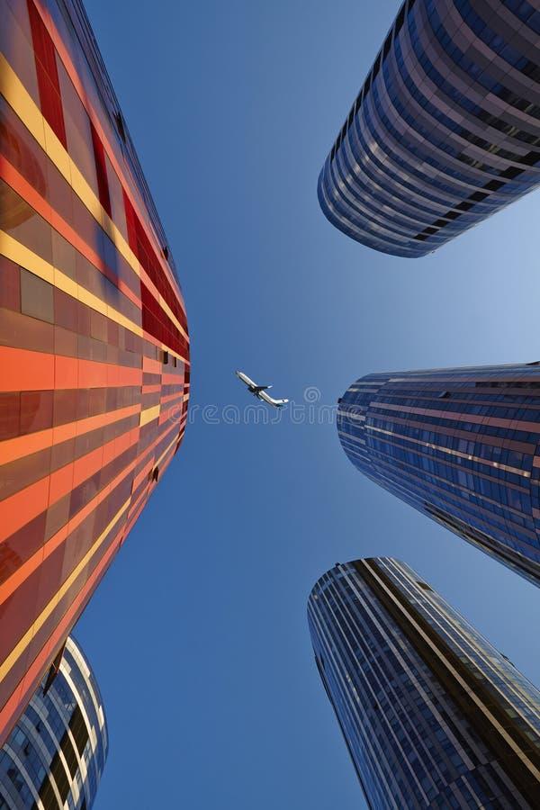 Construções do negócio e plano de ar, China foto de stock royalty free
