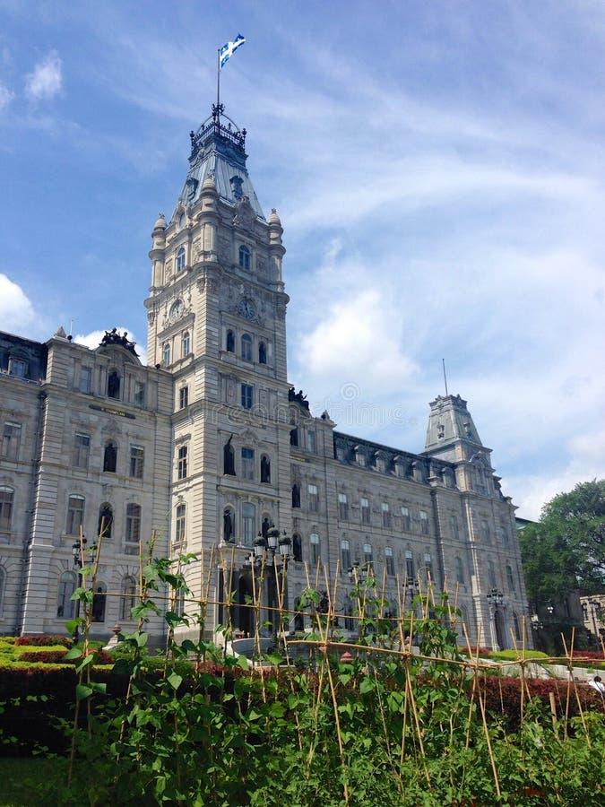 Construções do parlamento de Cidade de Quebec e jardins comestíveis, Canadá imagens de stock royalty free