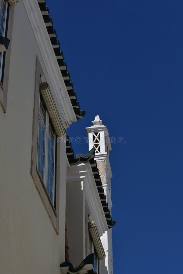 Construções e casas típicas no Algarve, Portugal foto de stock
