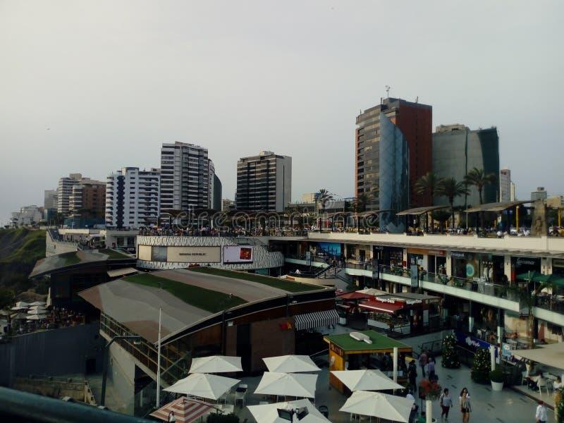 """Construções em Miraflores & em x28; €"""" Ámérica do Sul & x29 de Perú; fotos de stock"""