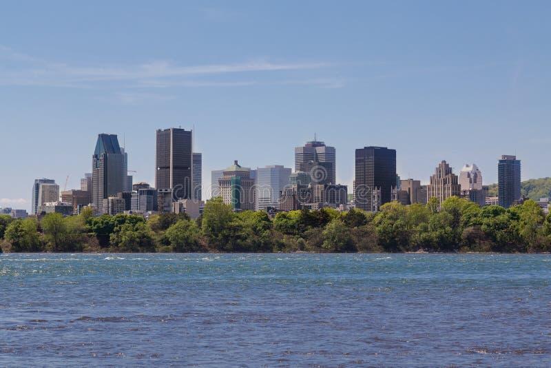Construções em Montreal do centro imagem de stock