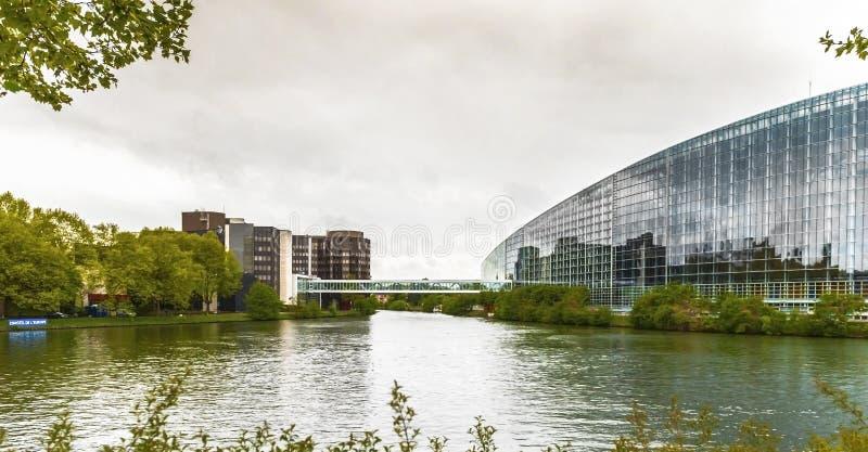 Construções europeias oficiais em Strasbourg fotos de stock