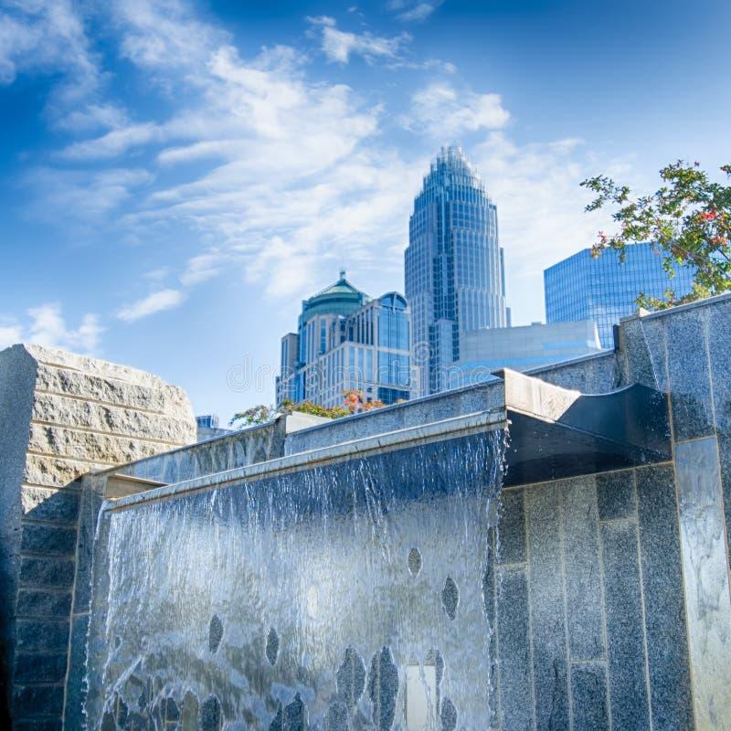 Construções financeiras do arranha-céus em Charlotte North Carolina fotos de stock royalty free