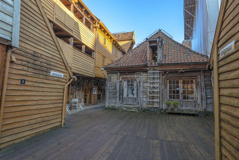 Construções históricas de Bryggen na cidade de Bergen, Noruega fotos de stock royalty free