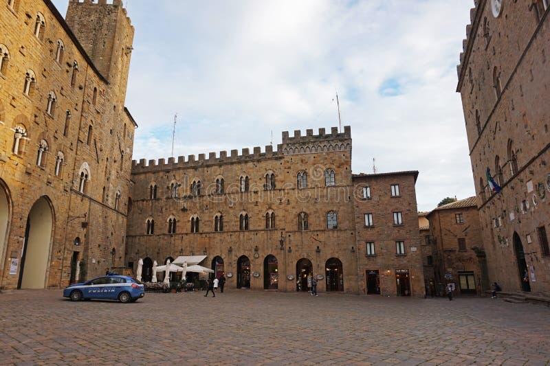 Construções históricas de Volterra, Itália fotografia de stock