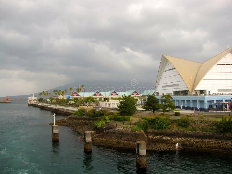 Construções japonesas no porto de balsa de Kagoshima foto de stock royalty free