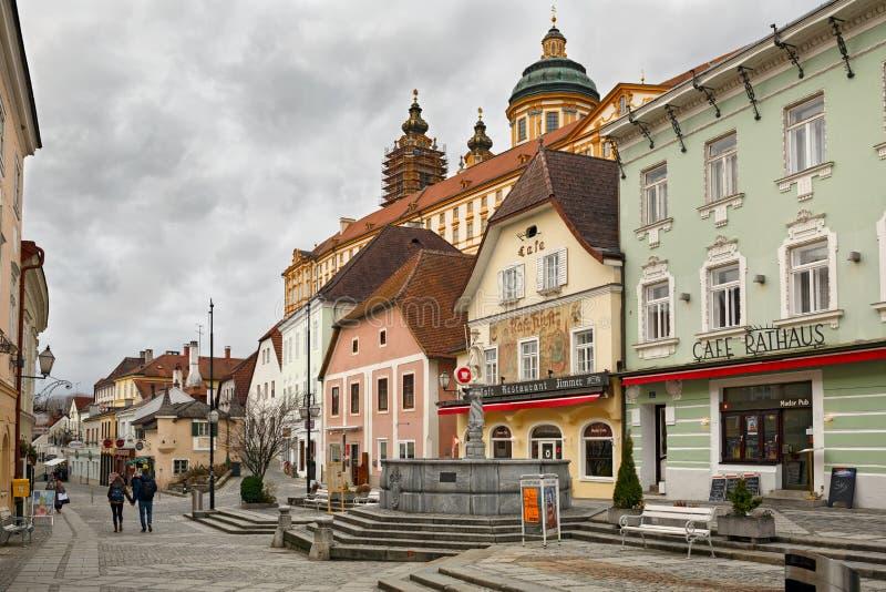 Construções medievais em torno do Rathausplatz quadrado Melk, Baixa Áustria, Europa foto de stock royalty free
