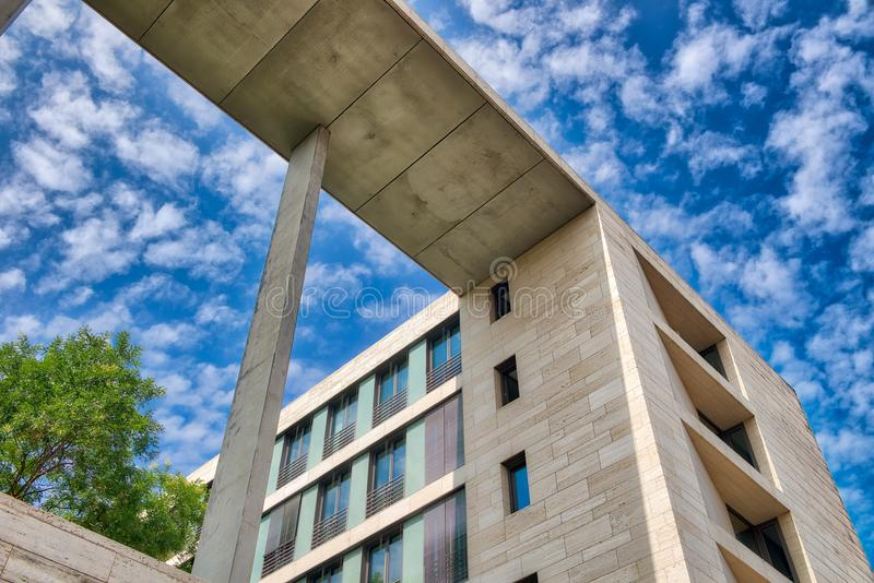 Construções modernas de Berlim, Alemanha fotografia de stock