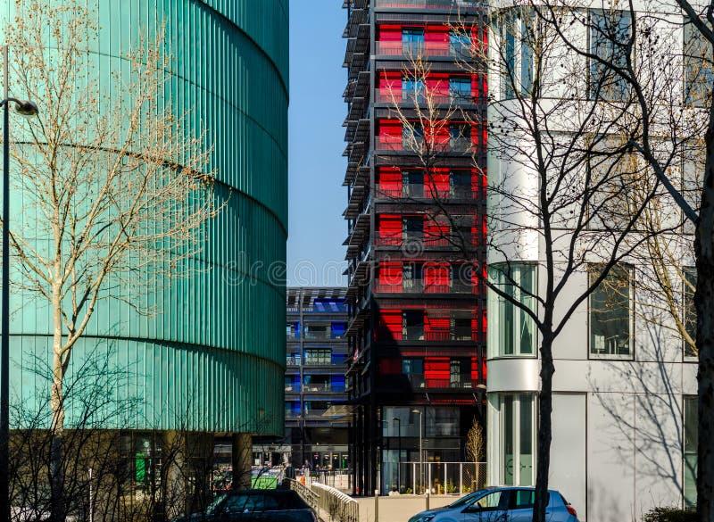 Construções modernas em Strasbourg, combinação de cores diferentes imagem de stock royalty free