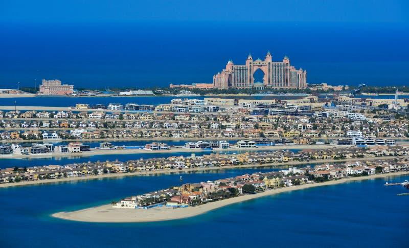 Construções na ilha de Jumeirah da palma fotos de stock royalty free
