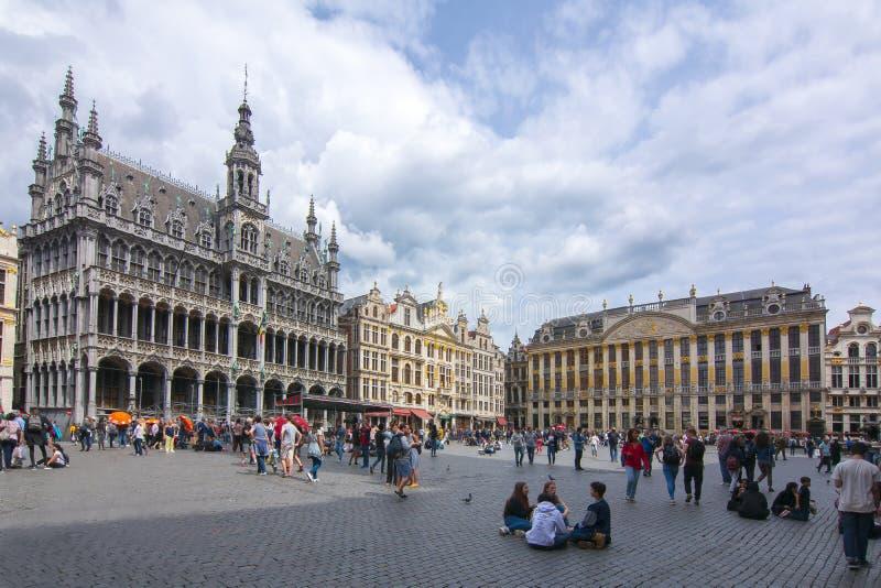 Construções no quadrado de Grand Place, Bruxelas, Bélgica imagens de stock