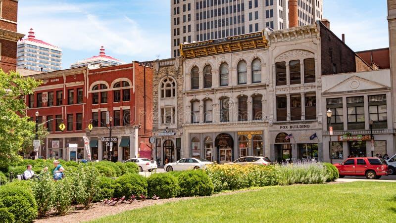 Construções típicas em Louisville Kentucky - LOUISVILLE, EUA - 14 DE JUNHO DE 2019 fotografia de stock