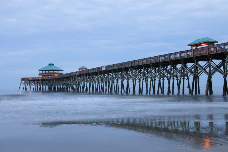Cais South Carolina da pesca da praia do insensatez fotografia de stock royalty free