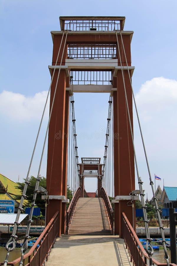 Construa uma ponte sobre a passagem imagem de stock royalty free