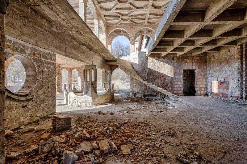 Construcción abandonada, inacabada del castillo foto de archivo libre de regalías
