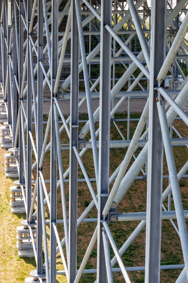 Construcción de acero de la cuesta interior Snowworld Zoetermeer, Países Bajos del esquí imagenes de archivo