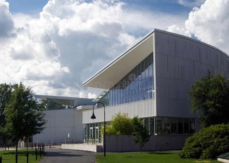 Construcción de escuelas moderna imagen de archivo