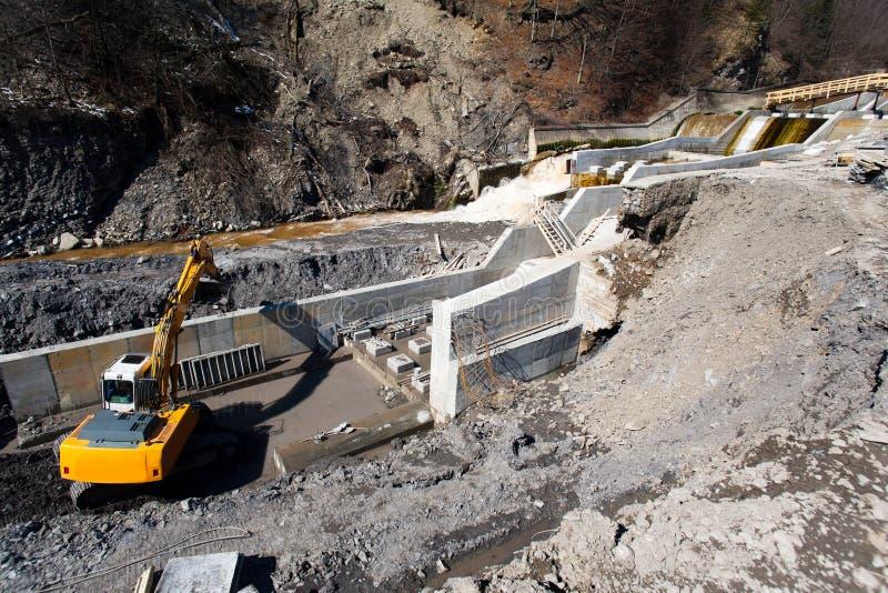 Construcción de la central hidroeléctrico fotos de archivo libres de regalías