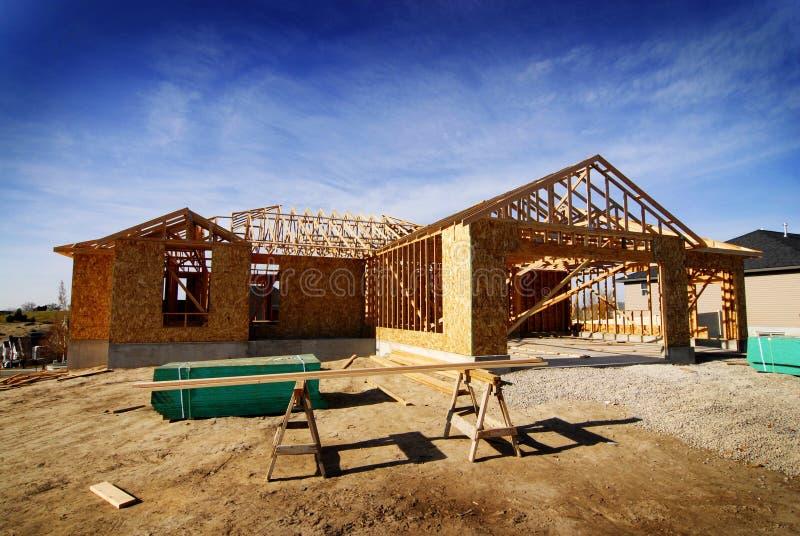 Construcción de la nueva estructura casera de la construcción del edificio residencial de la residencia fotografía de archivo libre de regalías