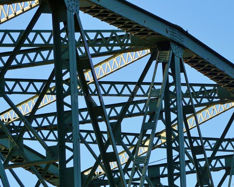 Construcción de puente de acero de braguero fotografía de archivo