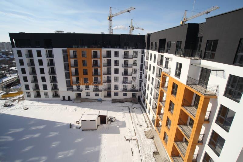 Construcción de un edificio de varios pisos residencial Nueva área residencial Construcción fotografía de archivo