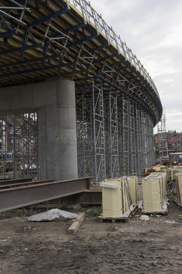 Construcción de un puente foto de archivo libre de regalías