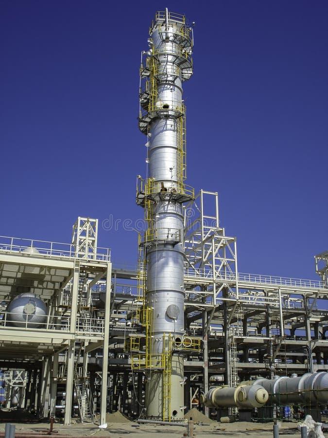 Construcción de una fábrica del aceite y de gas imágenes de archivo libres de regalías