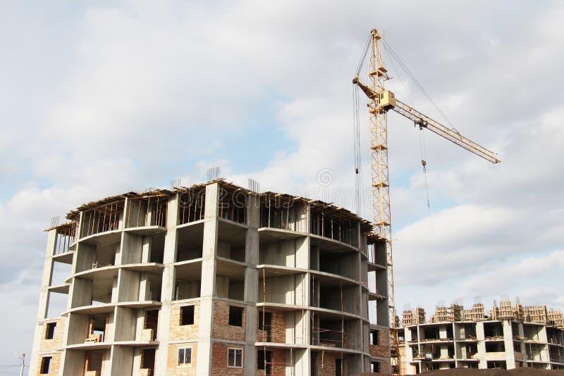 Construcción de viviendas en un emplazamiento de la obra imágenes de archivo libres de regalías