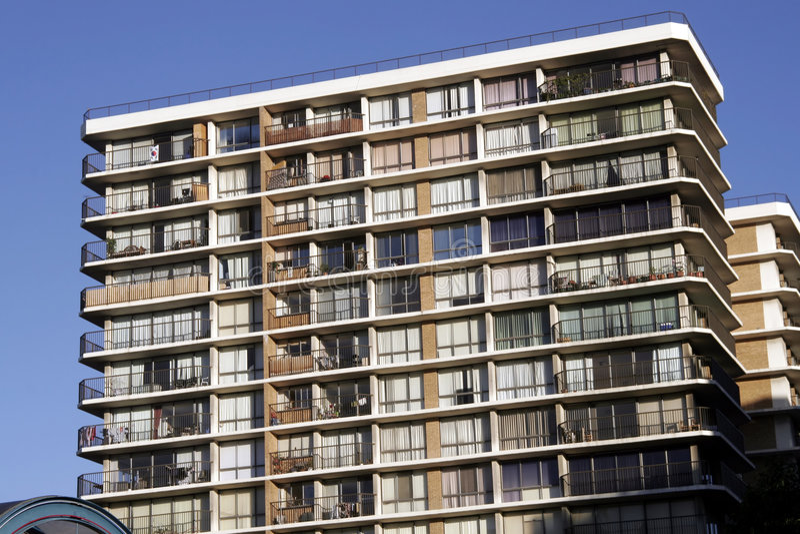 Construcción de viviendas urbana foto de archivo