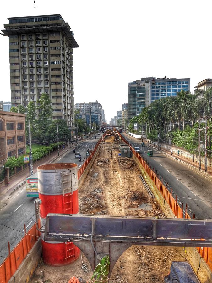 Construcción del camino en Bangladesh imagenes de archivo