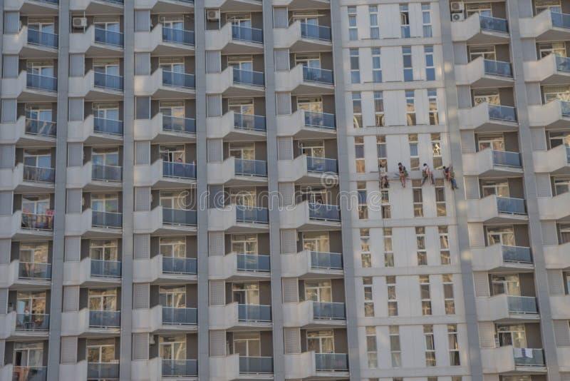 Construcción del nuevo edificio de varios pisos Genio civil moderno fotos de archivo