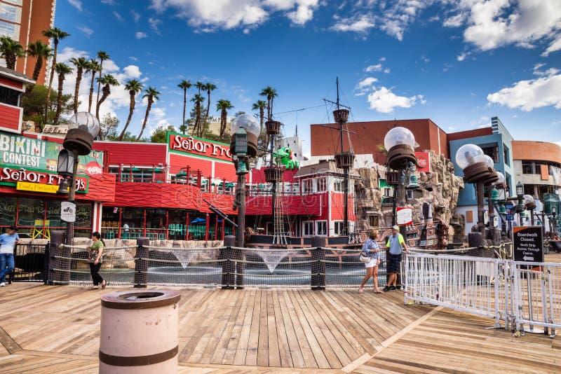 Construcción del paseo marítimo del hotel y del casino de la isla del tesoro fotografía de archivo