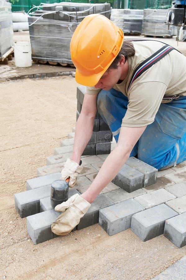 Construcción del pavimento de la acera foto de archivo