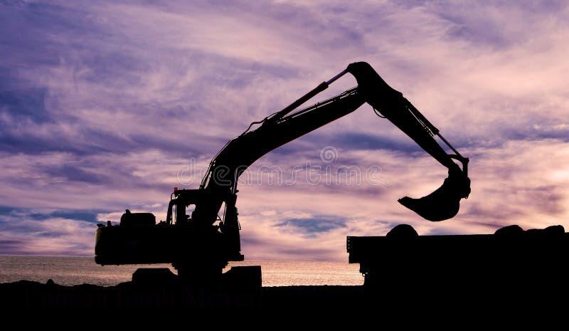 Construcción en la puesta del sol foto de archivo