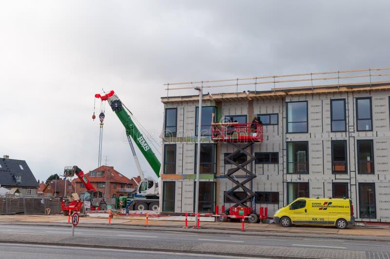 Construcción en un nuevo edificio en la ciudad de Glostrup en las afueras de la ciudad de Copenhague foto de archivo