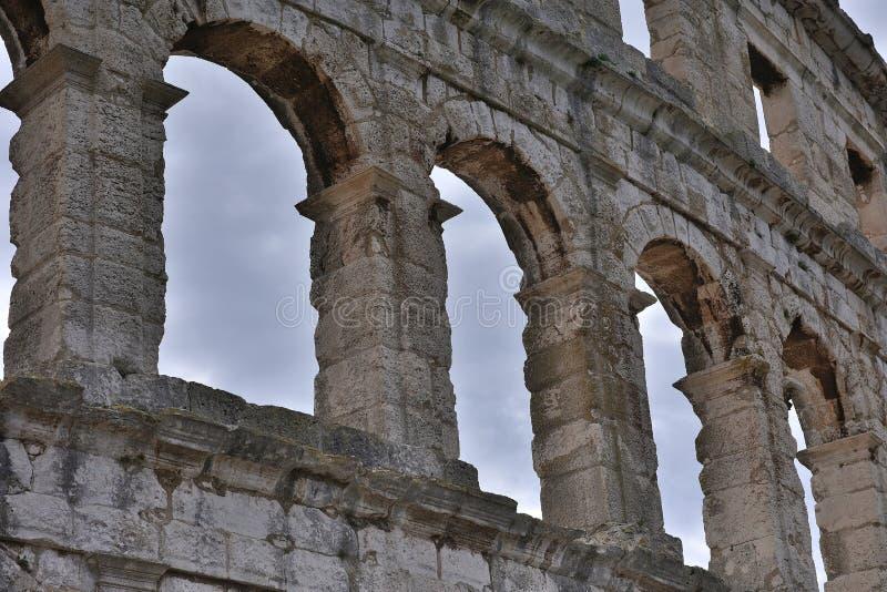 Construcción gigante del anfiteatro enorme imágenes de archivo libres de regalías