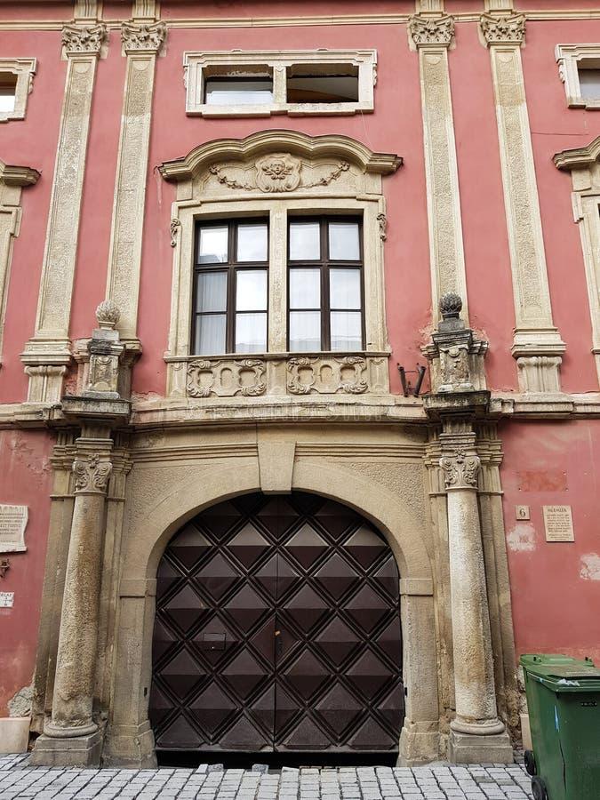 Construcción histórica en el centro de Sopron foto de archivo