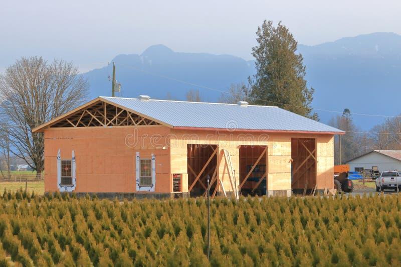 Construcción media del edificio agrícola imágenes de archivo libres de regalías