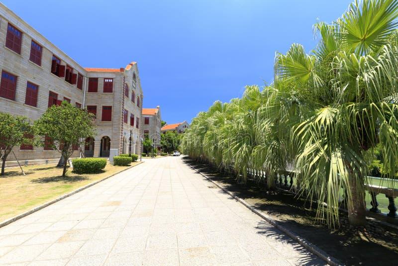 Construcciones de escuelas antiguas en el campus universitario de Xiamen, adobe rgb fotos de archivo libres de regalías
