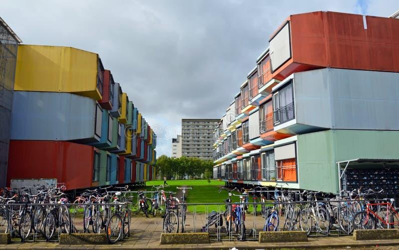 Construcciones de viviendas coloridas en Utrecht, Holanda fotografía de archivo libre de regalías