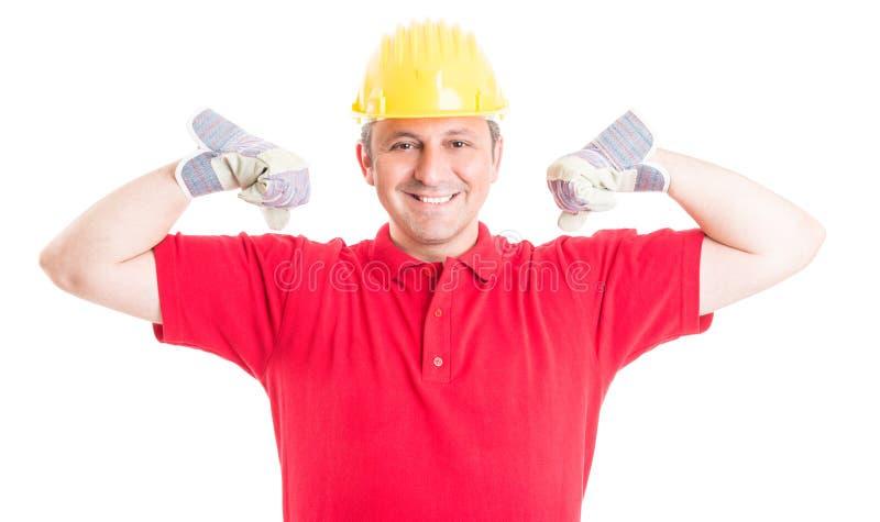 Constructeur ou travailleur de la construction agissant fort et puissant images libres de droits