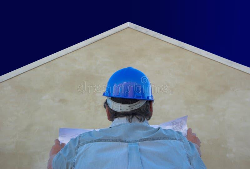 Constructeur, plans, maison et ciel photos stock